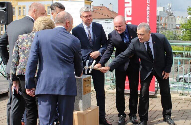 Rekonstrukce nádraží budovy byla oficiálně zahájena